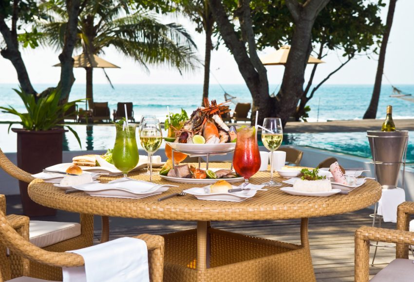 Reasons to Choose Luxury Travel. Luxury travel lunch
