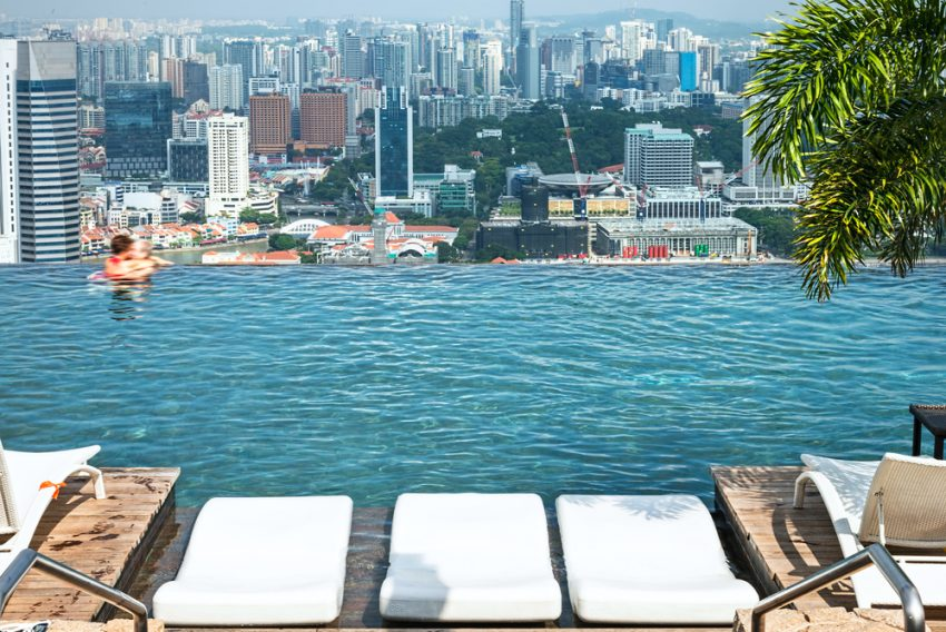 Best Rooftop Swimming Pools. Infinity swimming pool of the Marina Bay Sands in Singapore.