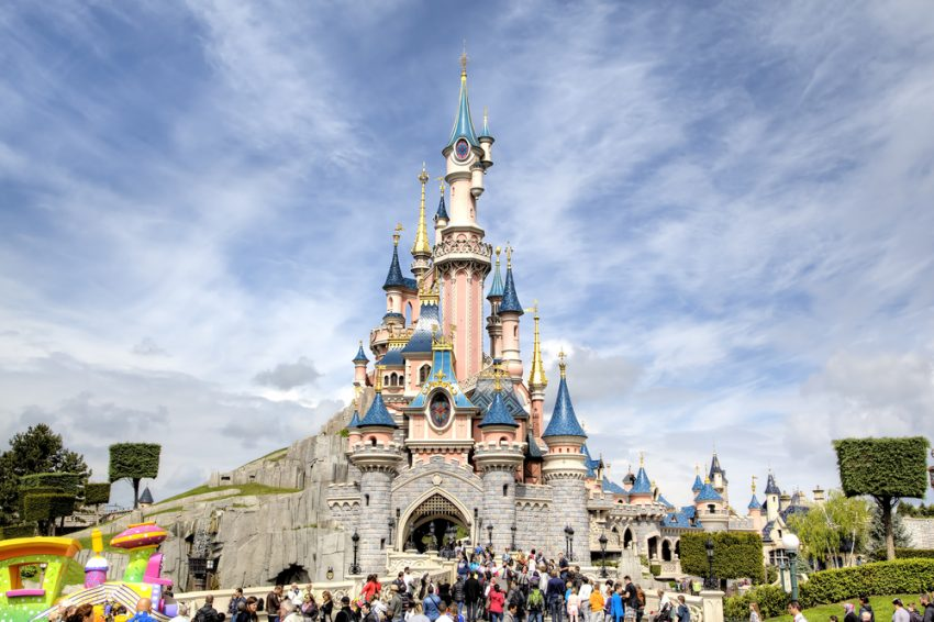 Meet Your Kids' Favorite Characters at the World's Best Amusement Parks. Disneyland
