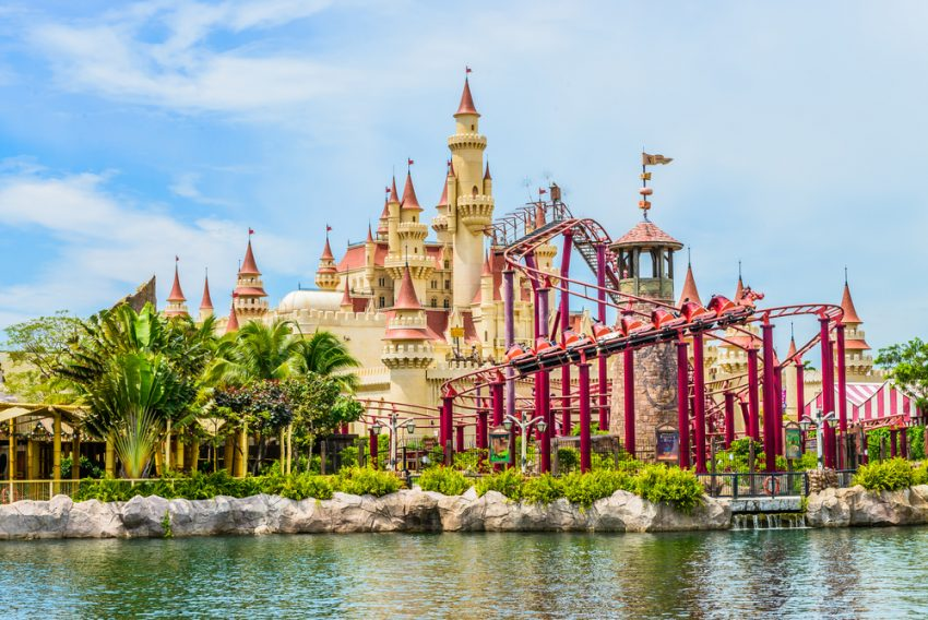 Meet Your Kids' Favorite Characters at the World's Best Amusement Parks. SINGAPORE, Universal Studios