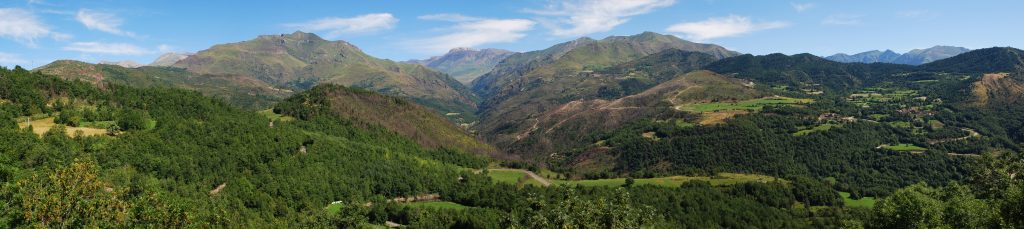 Panorama of the Aragonese Pyrenees.