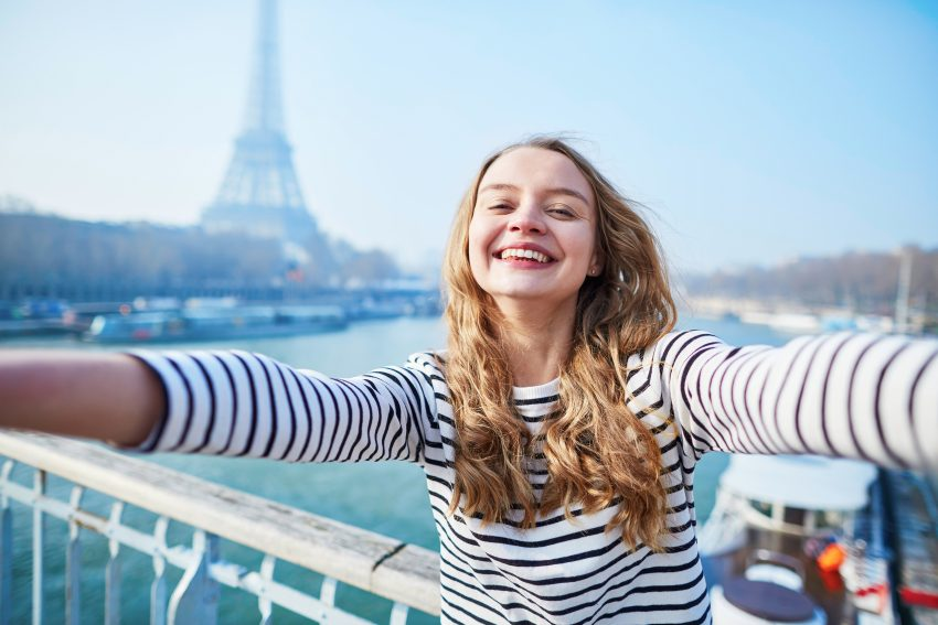 Best Ways to Take the Best Travel Selfies Alone