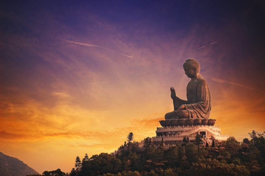 Top Places to Enjoy in Hong Kong. Tian Tan Buddha (Hong Kong, Lantau Island)
